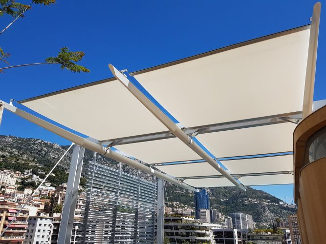 External blinds at Sporting D'hiver