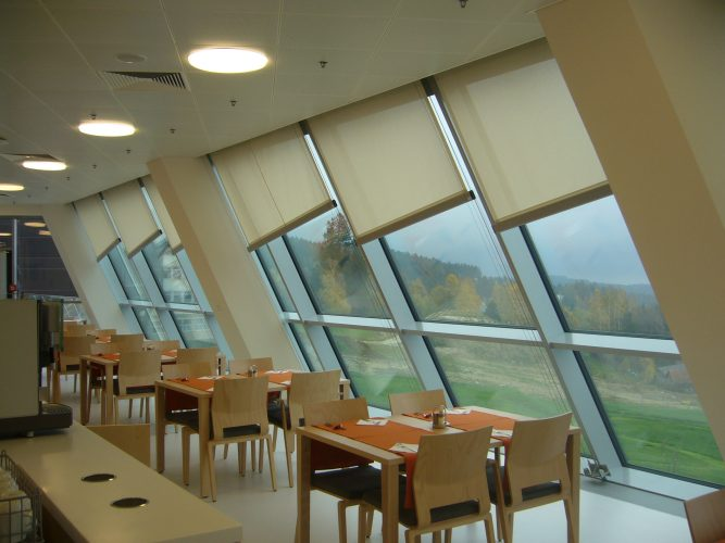 Angled tension blinds