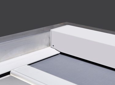 Smooth rooflight blind operation